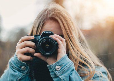 4 weby, kde ZDARMA a rychle najdete profesionální fotografie pro komerční využití